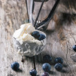 Ice cream with blueberries — Stock Photo #44335949