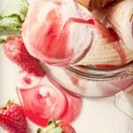 Strawberry ice cream — Stock Photo #46737753