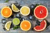 Set of sliced citrus fruits — Stock Photo