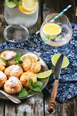 Cakes profiteroles with lemonade — Stok fotoğraf