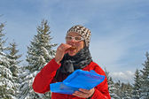 Young woman eating — Stock fotografie