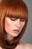 Closeup ritratto di donna dai capelli rossa — Foto Stock