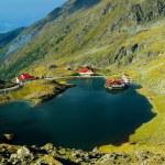 Balea lake in Fagaras mountains — Stock Photo #22851350
