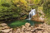 在斯洛文尼亚,欧洲的 vintgar 峡谷的总和瀑布 — 图库照片