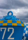 Blue And White Buoy — Стоковое фото