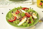 Salad with mushrooms, eggs, tomatoes and peppers — Stock Photo