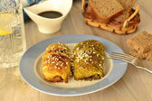 Savoy cabbage stuffed with vegetables in soy-honey sauce — Stock Photo