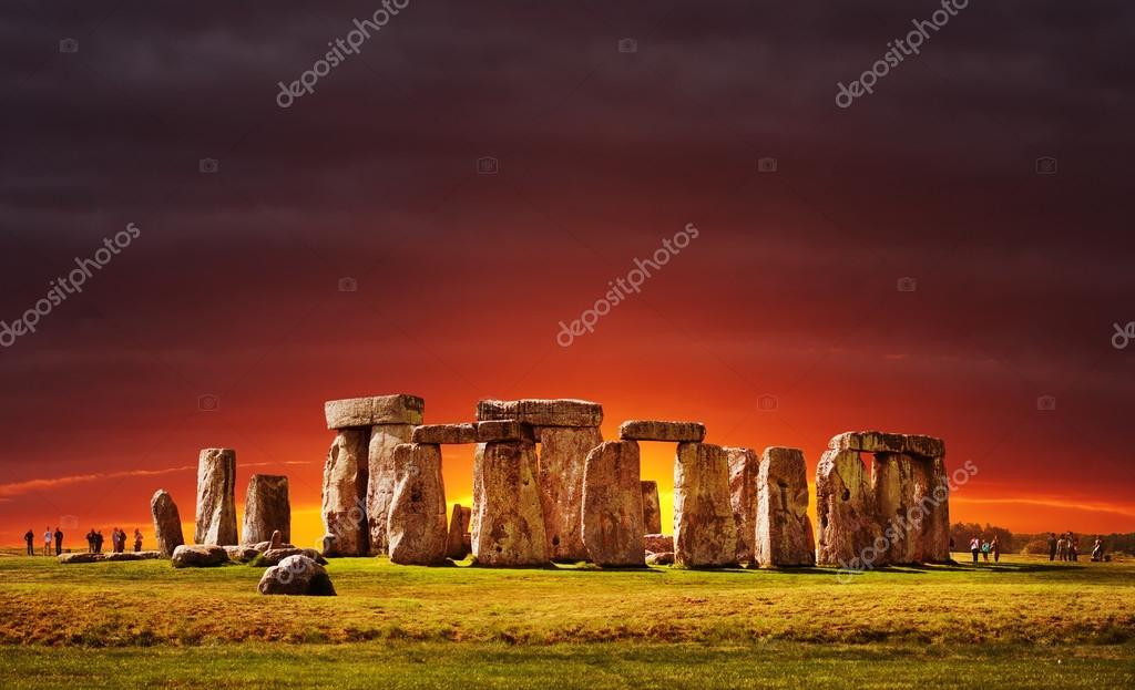 Famous Rock Group, Stonehenge, Wiltshire, England  № 715605 загрузить