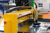 Machine cutting steel — Foto de Stock