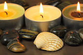 Candles and shell in spa — Stock Photo
