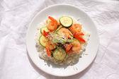 Camarões e arroz — Foto Stock