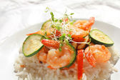 Shrimps and vegetables — Stock Photo
