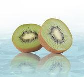 Kiwi cut in half — Stock Photo
