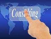 Presionando el botón de consulta en una pantalla táctil de la mano de la mujer de negocios — Foto de Stock
