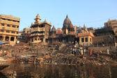 インドでバラナシの聖なるガーツ山脈 — ストック写真