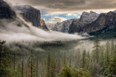 Winter Sunrise on Yosemite Valley — Stock Photo