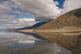 Badwater Reflection, Death Valley — Stock Photo