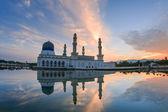 Floating Bandaraya Kota-Kinabalu, Sabah Borneo Malaysia Mosque at Sunrise — Stock Photo