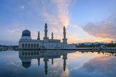 Kota Kinbalu,Sabah, Malaysia Floating Mosque during Sunrise Hour — Stock Photo