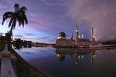 Floating Bandaraya Kota-Kinabalu, Sabah Borneo Malaysia Mosque a — Stock Photo