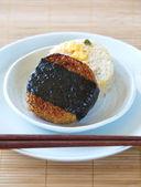 японскую еду онигири рисовые шарики — Стоковое фото