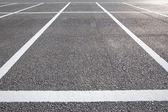 Acres d'espaces de stationnement vides — Photo