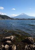 Lago di montagna fuji e achi — Foto Stock