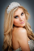 Portrait of Beauty Queen Wearing Tiara. — Stock Photo