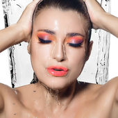 Young Beautiful Woman with Fluor Wet Makeup. Beauty and Fashion — Stock Photo