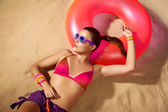 Fashion Girl Portrait. Beautiful Young Woman Sunbathing. Accesso — Stock Photo