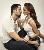 Kissing couple — Stock Photo