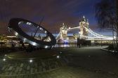 Puente de la torre por la noche — Foto de Stock