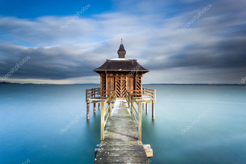 This is the chez-le-bart pontoon located in switzerland between the city of yverdon et neuchatel — Stock Photo #20151007