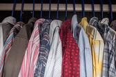 Koszulki na wieszaki — Zdjęcie stockowe