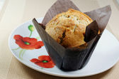 A freshly baked muffin — Stock Photo