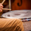 Musician plays the drums — Stock Photo