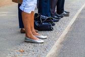Mensen wachten — Stockfoto