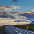 Scenic sunset view of an empty road in iceland — Stock Photo
