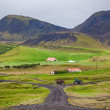 Road leading to a rural farm in Iceland — Zdjęcie stockowe