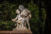 Statue of Two Boys Talking — Stockfoto