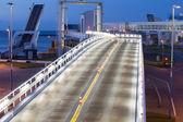 подсветкой мост — Стоковое фото
