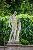 Statue of a nude man — Stock Photo