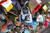 Love locks in Seoul — Stock Photo