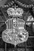 Un emblema real y decoración de scull humanos y huesos — Foto de Stock