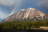 Rainbow Over Alaskan Mountain — Foto de Stock