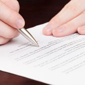 Business men reading contract - 1 to 1 ratio — Foto Stock