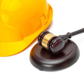 Wooden judge gavel with protective helmet - studio shoot - 1 to 1 ratio — Stock Photo