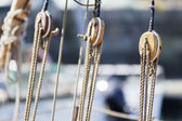 Pulley and rope — Stock Photo