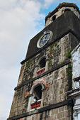 Torre do sino velho em um céu azul — Fotografia Stock