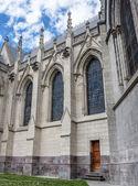Pared lateral de la Basílica de quito — Foto de Stock